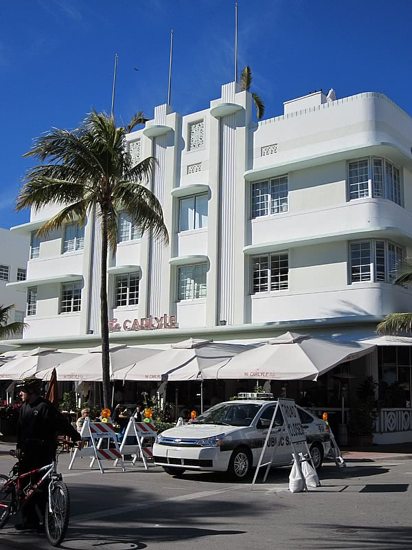 miami south beach art deco the carlyle