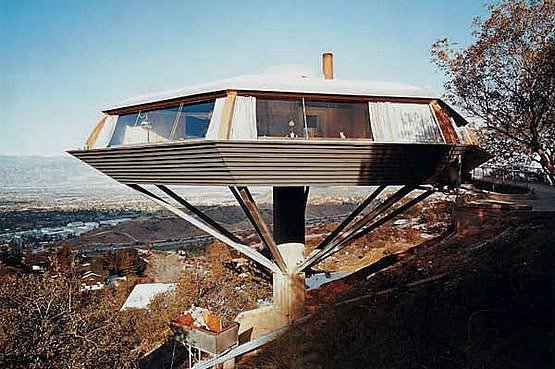 The Chemosphere, 1960, a Modernist octagon house in Los Angeles, California, designed by American architect John Lautner, photographed by Julius Shulman.