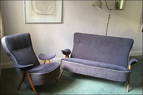 ☑️ Artifort Hairpin Armchair and Two Seater Sofa (Model 105)