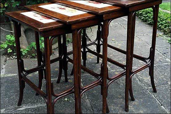 ☑️ 20th Century Decorative Arts |A set of four bentwood nesting tables, Thonet Wien circa 1901.