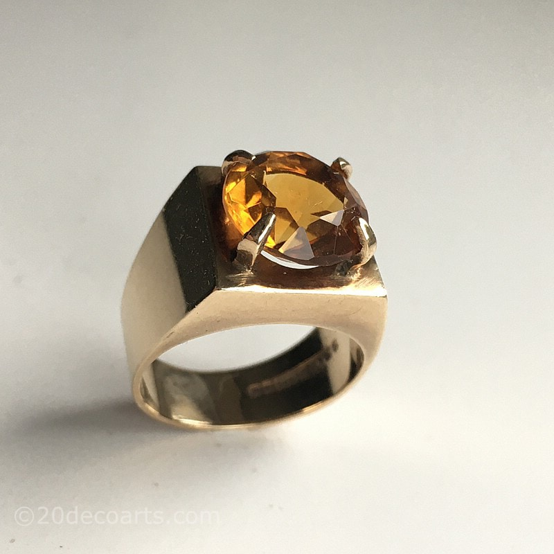 1970s Design 9ct yellow gold and golden citrine set ring