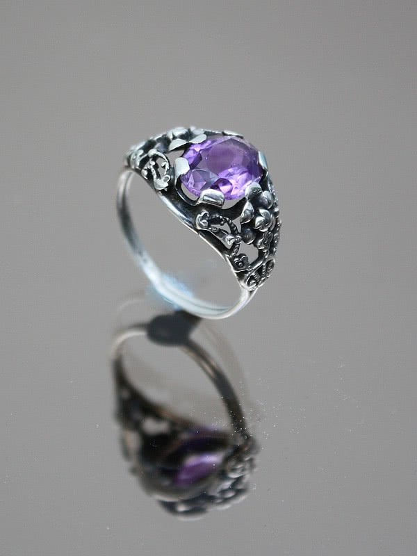 20th Century Decorative Arts |An Arts and Crafts 900 silver and  amethyst ring,  European circa 1920s.