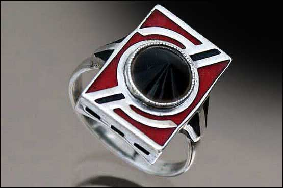 20th Century Decorative Arts: Theodor Fahrner Art Deco silver ring, matt enamel and onyx ring, Gustav Braendle - , Germany circa 1930