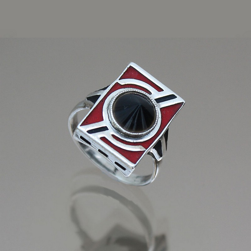 An Art Deco 935 silver, matt enamel and onyx ring, Gustav Braendle - Theodor Fahrner, Germany circa 1930-