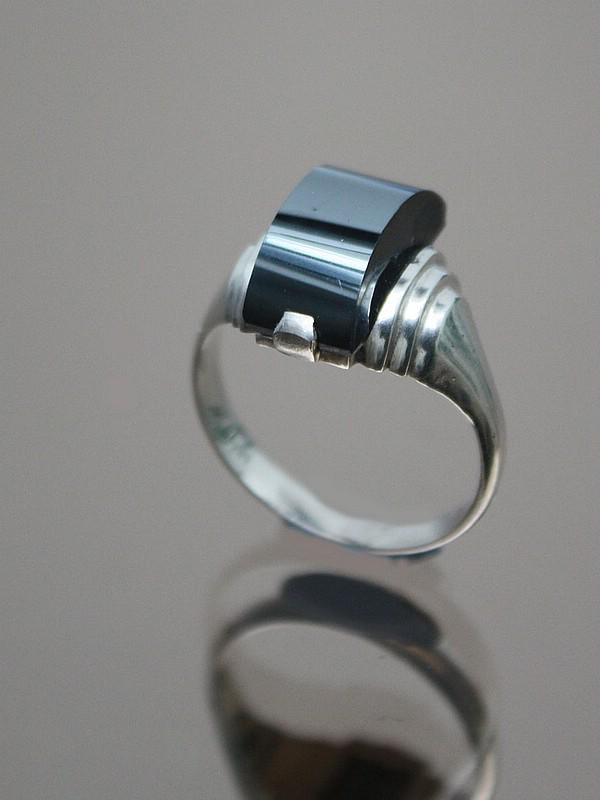 20th Century Decorative Arts |An Art Deco modernist silver, hematite ring, France circa 1930s