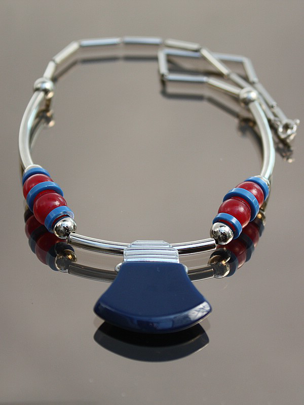 An Art Deco Jakob Bengel chromed brass and tricolour Galalith necklace, Germany 1930s.