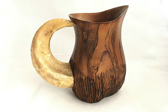☑️  vintage Olive wood jug with rams horn handle by A. Fernandez.               Spain c1950's