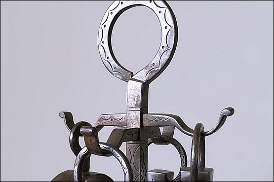 ☑️Archibald Carne 1879 - 1968 A wrought Iron Companion Set comprising of 4 fire tools and the stand.