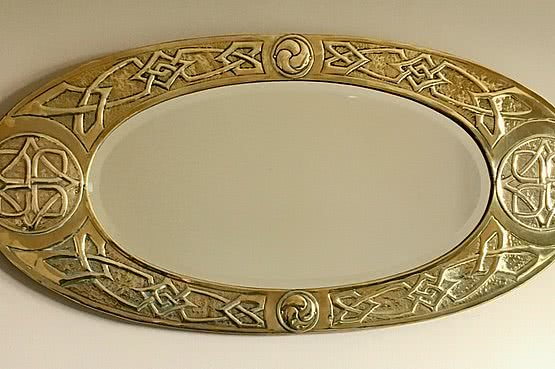 ☑️An arts and crafts brass mirror