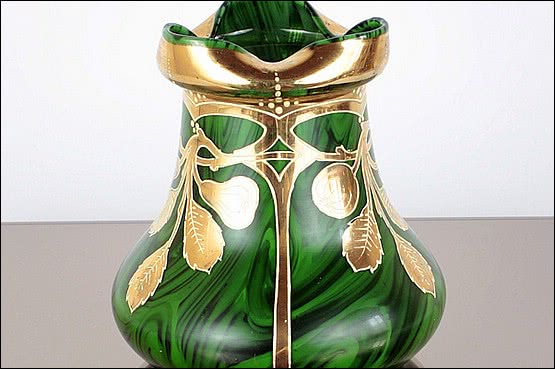 ☑️ 20th Century Decorative Arts |harrach glass vase art nouveau malachit