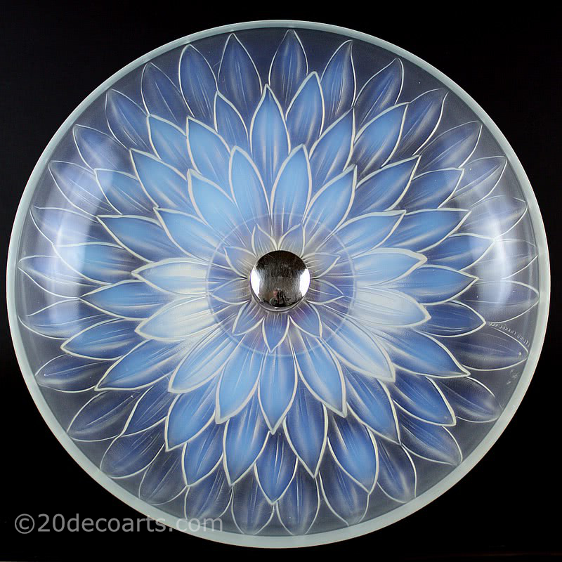20th Century Decorative Arts |A stylish Art Deco opalescent glass table centrepiece, 1930s, by Etling of Paris, the satin and polished glass molded with a stylised flower head, mounted on a modernist chromed metal base