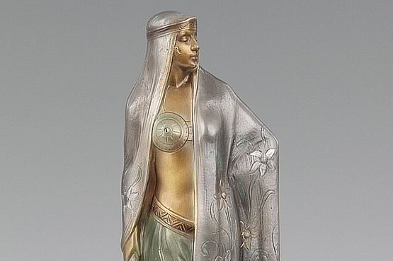 ☑️ 20th Century Decorative Arts |Art Deco Barner Bronze Sculpture For Sale