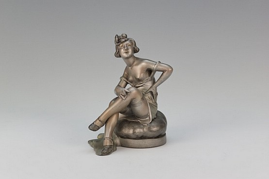 ☑️ 20th Century Decorative Arts |art deco lesueur spelter figure