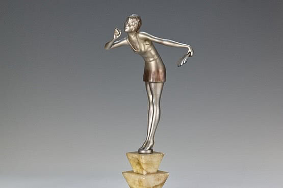 ☑️ 20th Century Decorative Arts | dakon art deco spelter figure