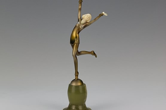 Dakon art deco bronze ivory figure