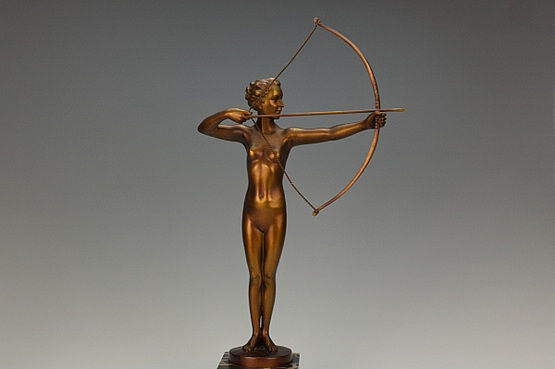 ☑️ Diana the huntress art deco spelter figure
