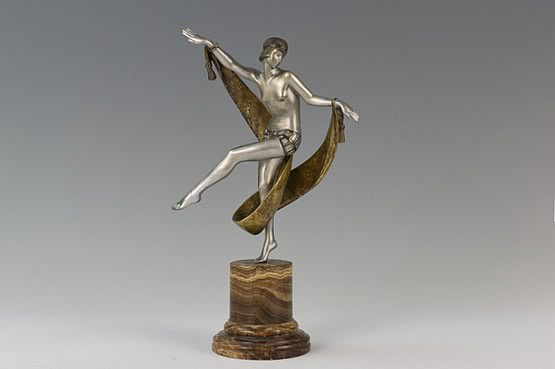 ☑️ 20th Century Decorative Arts | bronze art deco lady figurines dancer