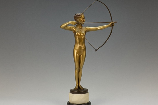 ☑️ 20th Century Decorative Arts | Diana Spelter Art Deco Statue 1930s