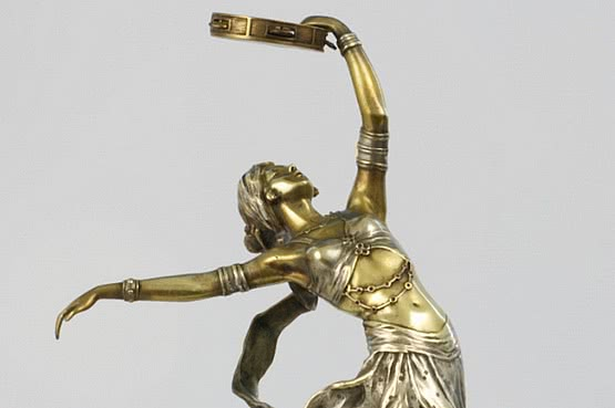 ☑️ 20th Century Decorative Arts |Art Deco A. Titze Bronze For Sale