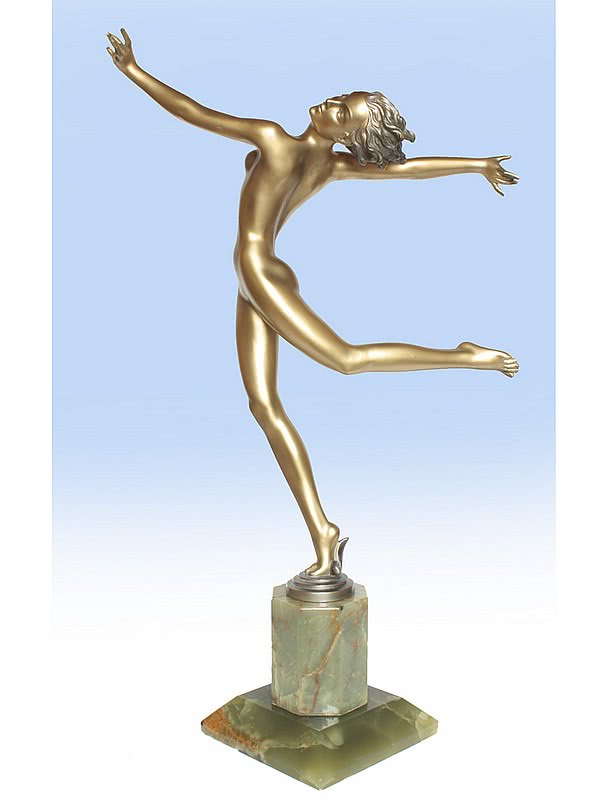 20th Century Decorative Arts |Josef Lorenzl - A large Art Deco bronze figure.