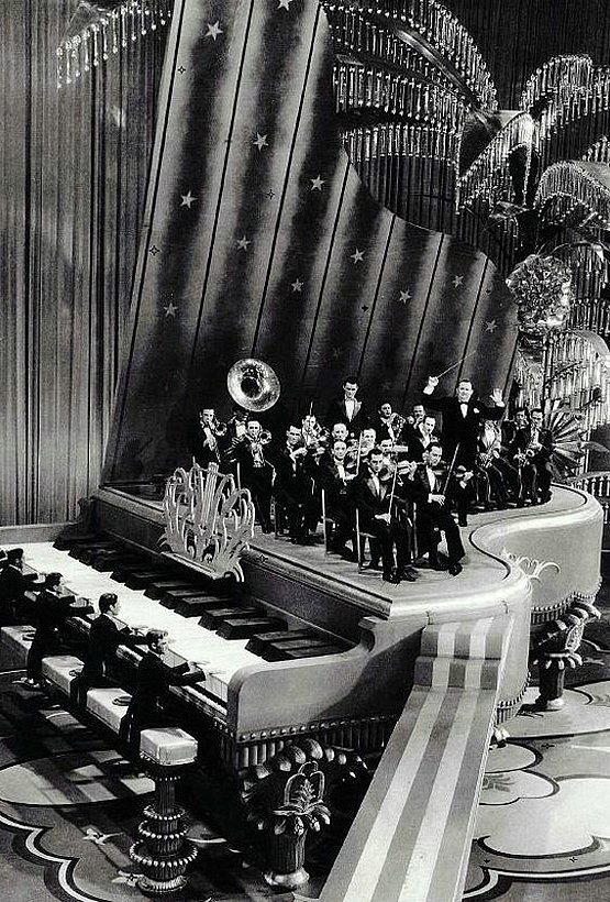 King of Jazz 1930 - Art Direction:	Herman Rosse	Hollywood Art Deco set Design Syle