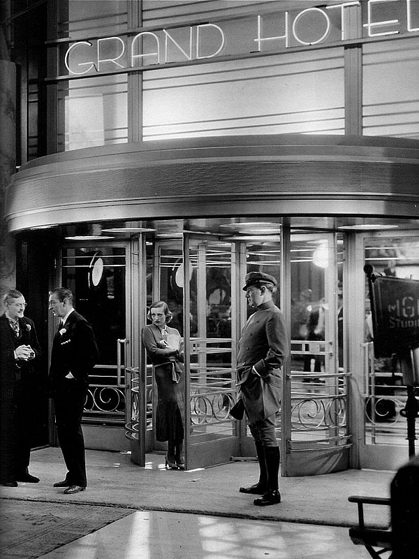 hollywood art deco style - Grand Hotel 1932, Art Direction:	Cedric Gibbons