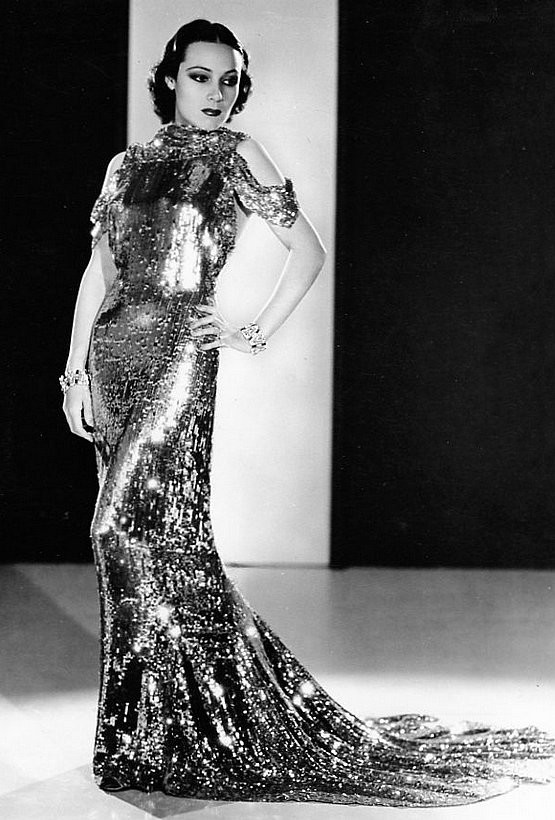 :	Hollywood Art Deco Star Style - 1930s Dolores Del Rio